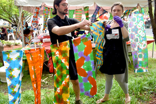 Maud Morgan Arts leads a paper banner workshop at the 2019 Cambridge Arts River Festival.