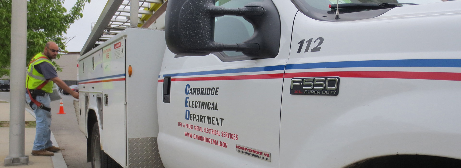 Photo of a Cambridge Electrical Department truck