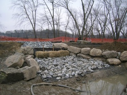 Filter berm constructed in Lusitania wetland.