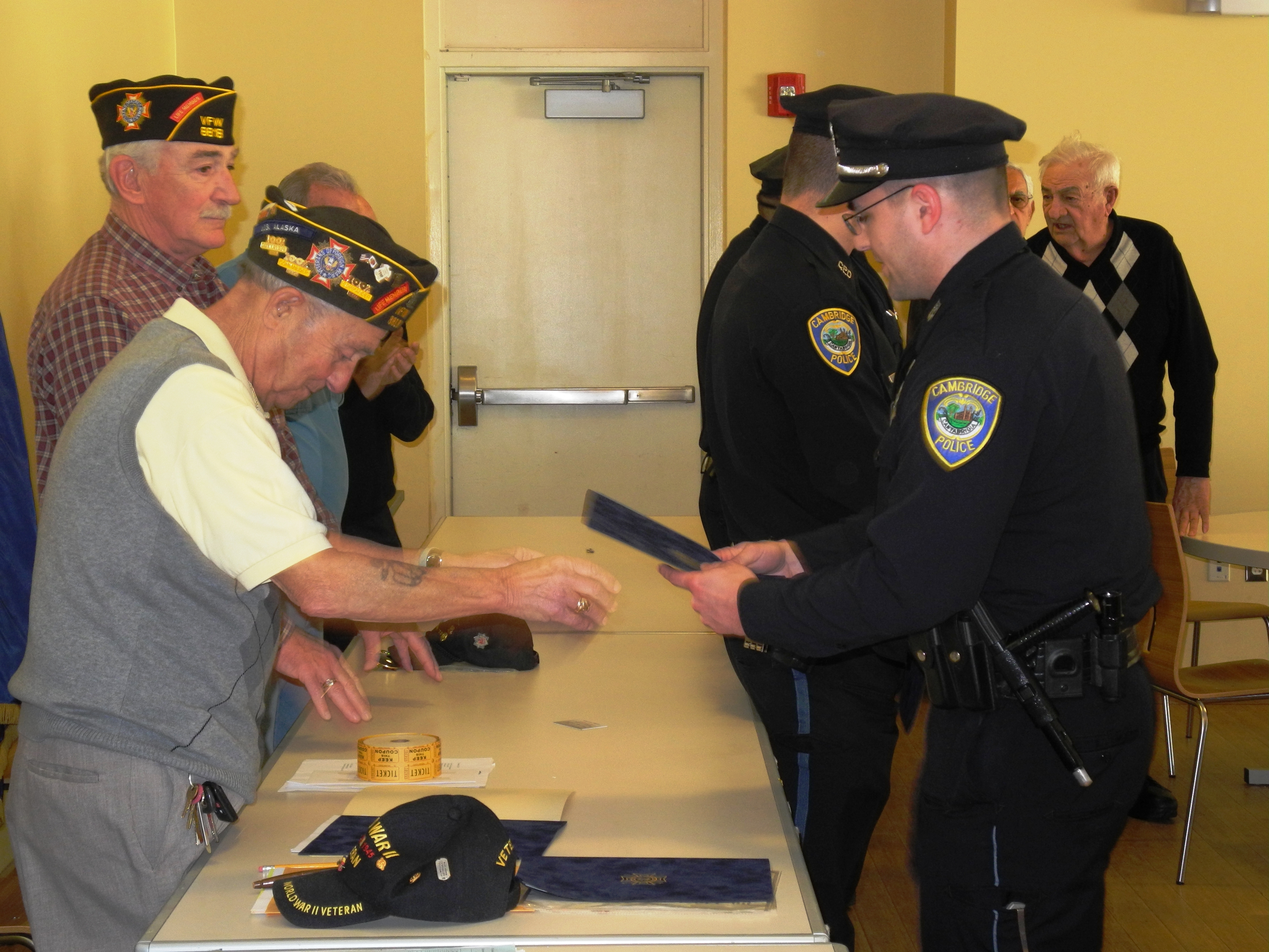 cambridge police officers receive honor from v f w