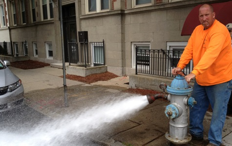 hydrant flusing image