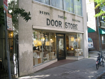 Door Store Facade before the program