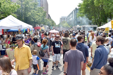 People fill Sidney Street during the 2019 Cambridge Arts River Festival.