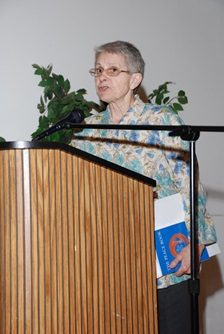 Awardee Mary Leno adresses the audience