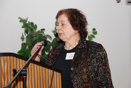 Awardee Sheila Hoffman adresses the audience