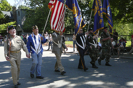 Cambridge Veterans' Organization President James Gray and Color Guard (5/28/2009) - Cynthia Abatt