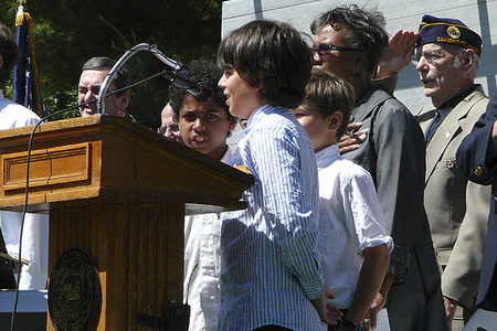 Amigos School 4th Graders Alvan Rhoden, Nicholas Santiago and Rafael Goldstein Recite the Pledge of Allegiance (5/25/2009) - Cynthia Abatt