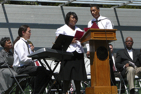 CRLS Vocalists Ophelia and Timothy Smith sing America the Beautiful (5/25/2009) - Cynthia Abatt