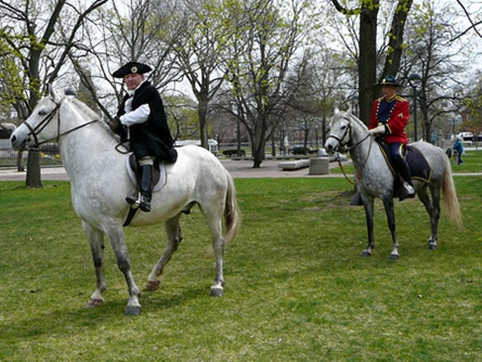 General William Dawes (Reenactor, Sgt. Andrew Tobin) Leaves for Lexington and Concord (4/20/2009) - Cynthia Abatt
